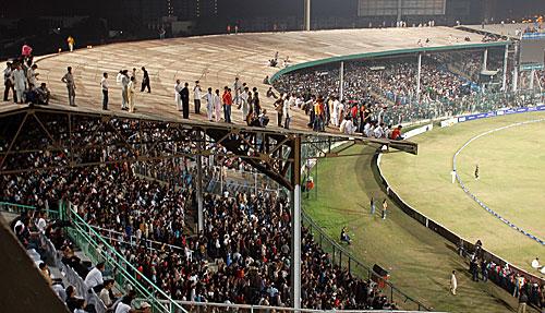 قومی ٹی ٹوئنٹی ٹورنامنٹ پاکستان کا سب سے مقبول ٹورنامنٹ ہے، گزشتہ سال کراچی میں کھیلے گئے فائنل کا یہ منظر اس کی مقبولیت کا عکاس ہے