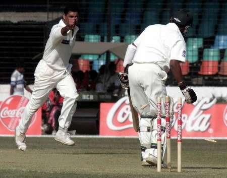 پاکستان نے آخری مرتبہ 2002ء میں بنگلہ دیش میں ٹیسٹ سیریز کھیلی تھی (تصویر: Reuters)