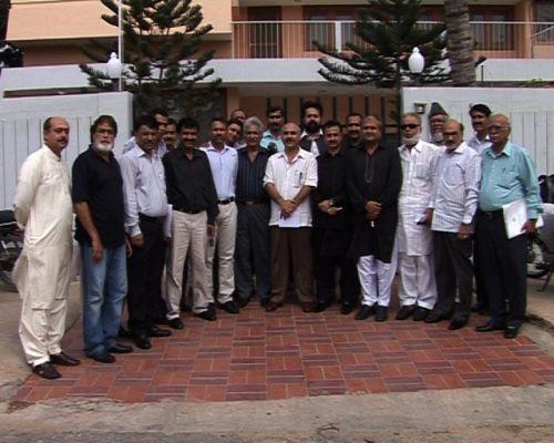 سابق و موجودہ کھلاڑیوں اور سماجی تنظیم کے رہنماؤں کا علیم عادل شیخ کے ساتھ گروپ فوٹو