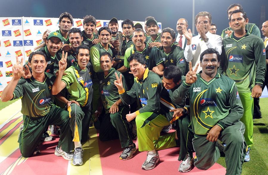 محسن خان کی زیر نگرانی پاکستان نے سری لنکا جیسی مضبوط ٹیم کے خلاف زبردست کامیابیاں سمیٹیں (تصویر: AFP)