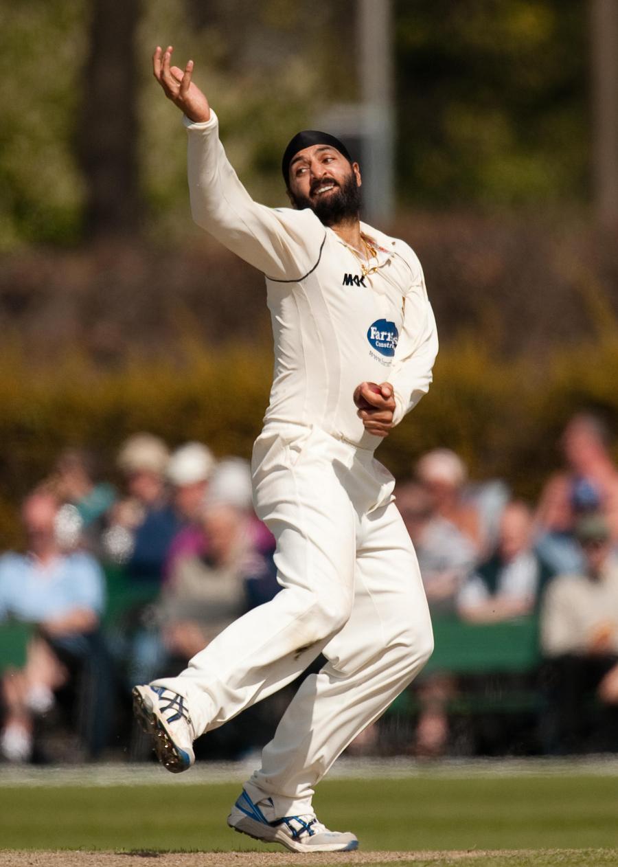 مونٹی پنیسر نے پاکستان کے خلاف 4 ٹیسٹ مقابلے کھیلے ہیں اور اس میں 17 کھلاڑیوں کو شکار بنایا ہے (تصویر: PA Photos)