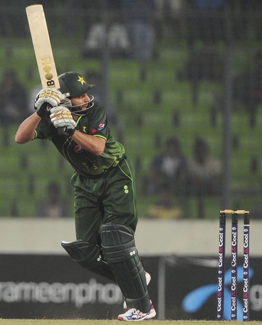 شاہد آفریدی کی ایک اور آل راؤنڈ کارکردگی نے پاکستان کا بیڑہ پار لگا دیا (تصویر: AFP)
