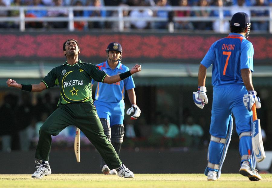 پاکستان کے لیے سال کا سب سے مایوس کن نتیجہ عالمی کپ 2011ء کا سیمی فائنل رہا، جہاں اسے روایتی حریف بھارت کے ہاتھوں شکست کھا کر ٹورنامنٹ سے باہر ہونا پڑا (تصویر: Getty Images)