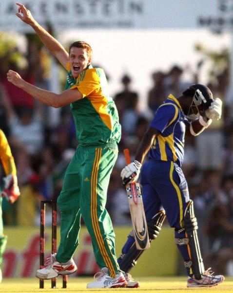 پرجوش پروٹیز گیند بازوں کے سامنے سری لنکن بلے باز آؤٹ کلاس ہوگئے (تصویر: Getty Images)