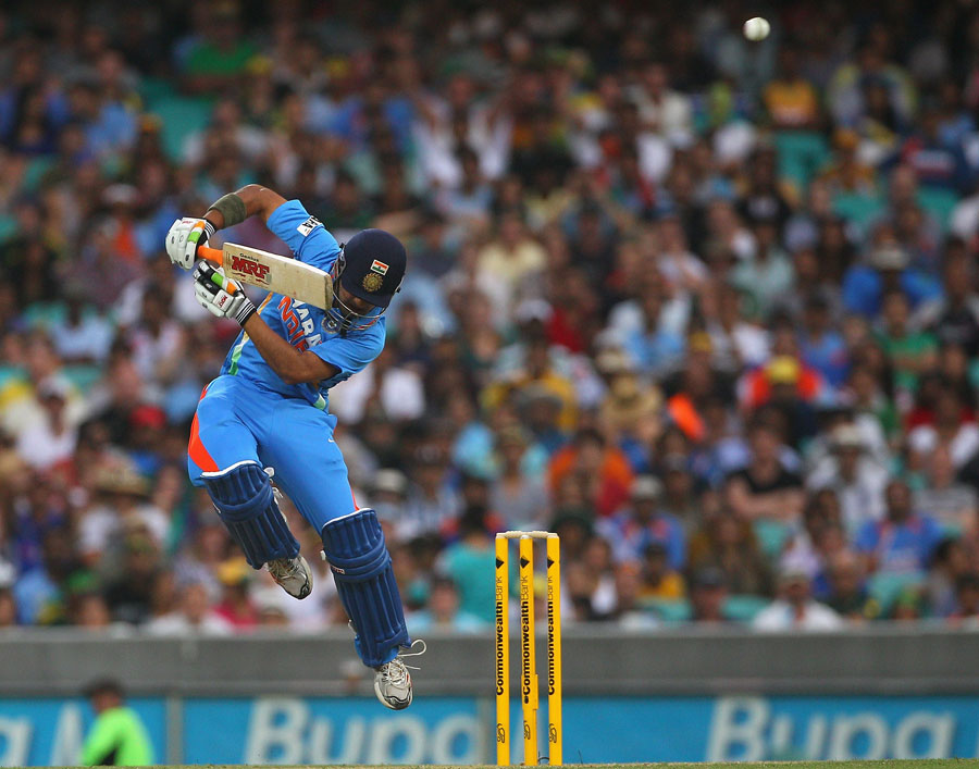 پوری سیریز میں جدوجہد کرنے والے بھارتی بلے باز آخری مقابلے میں بھی لڑکھڑاتے رہے (تصویر: Getty Images)