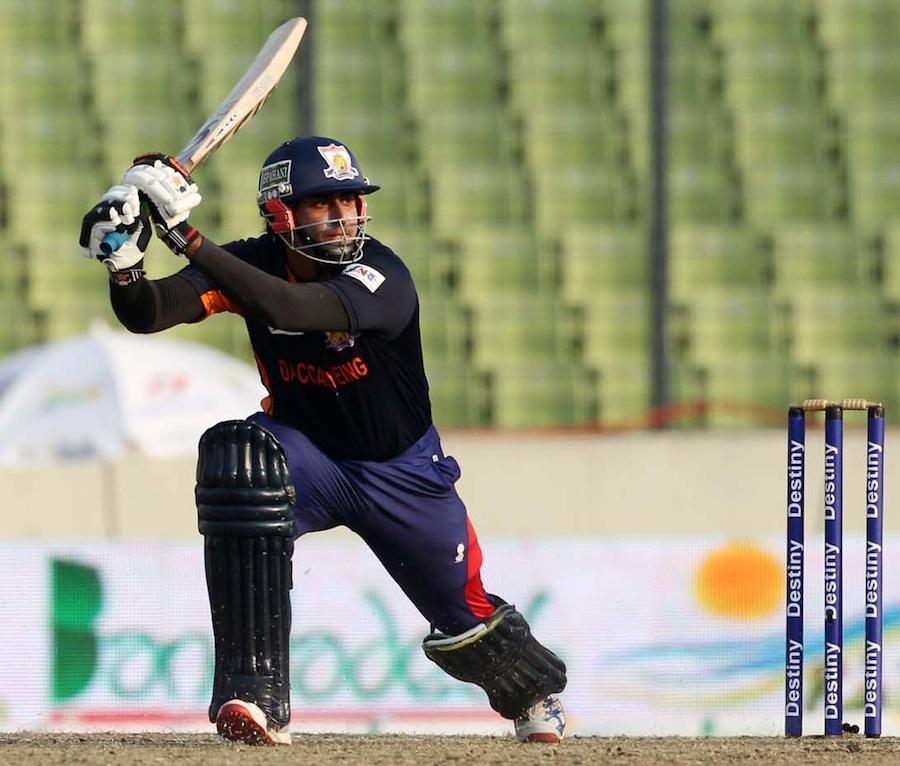 ناصر جمشید بنگلہ دیش پریمیئر لیگ کے بہترین بلے بازوں میں شامل رہے (تصویر: BPL T20)