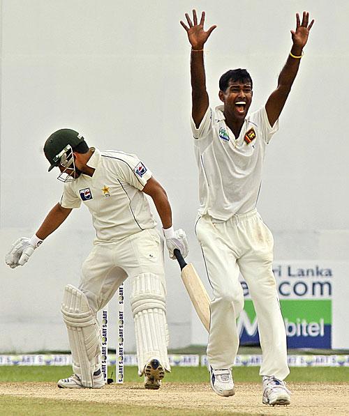 نووان کولاسیکرا نے 2009ء میں سری لنکا میں ہونے والی پاک-لنکا سیریز میں لنکن فتوحات میں مرکزی کردار ادا کیا تھا اور سیریز کے بہترین کھلاڑی قرار پائے تھے (تصویر: AP)
