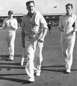 جم لیکر کا یہ عظیم ریکارڈ 56 سالوں سے جوں کا توں موجود ہے (تصویر: The Cricketer International)