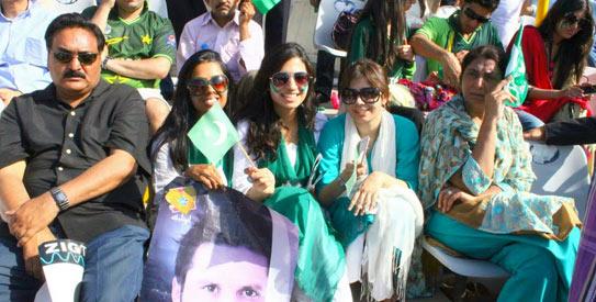 موہالی میں شاداں و فرحاں چہرے