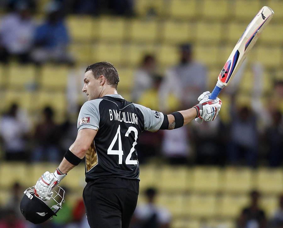 برینڈن میک کولم نے بنگلہ دیش کے خلاف شاندار سنچری اسکور کی (تصویر: AP)