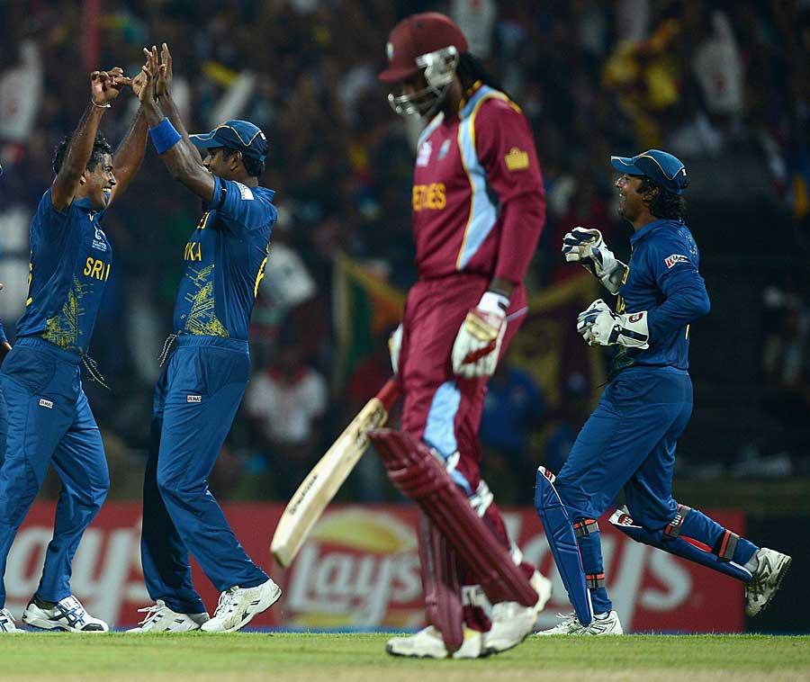 سری لنکا نے ثابت کیا کہ اگر کرس گیل پر قابو پا لیا جائے تو ویسٹ انڈیز میں کچھ دم خم نہيں (تصویر: Getty Images)