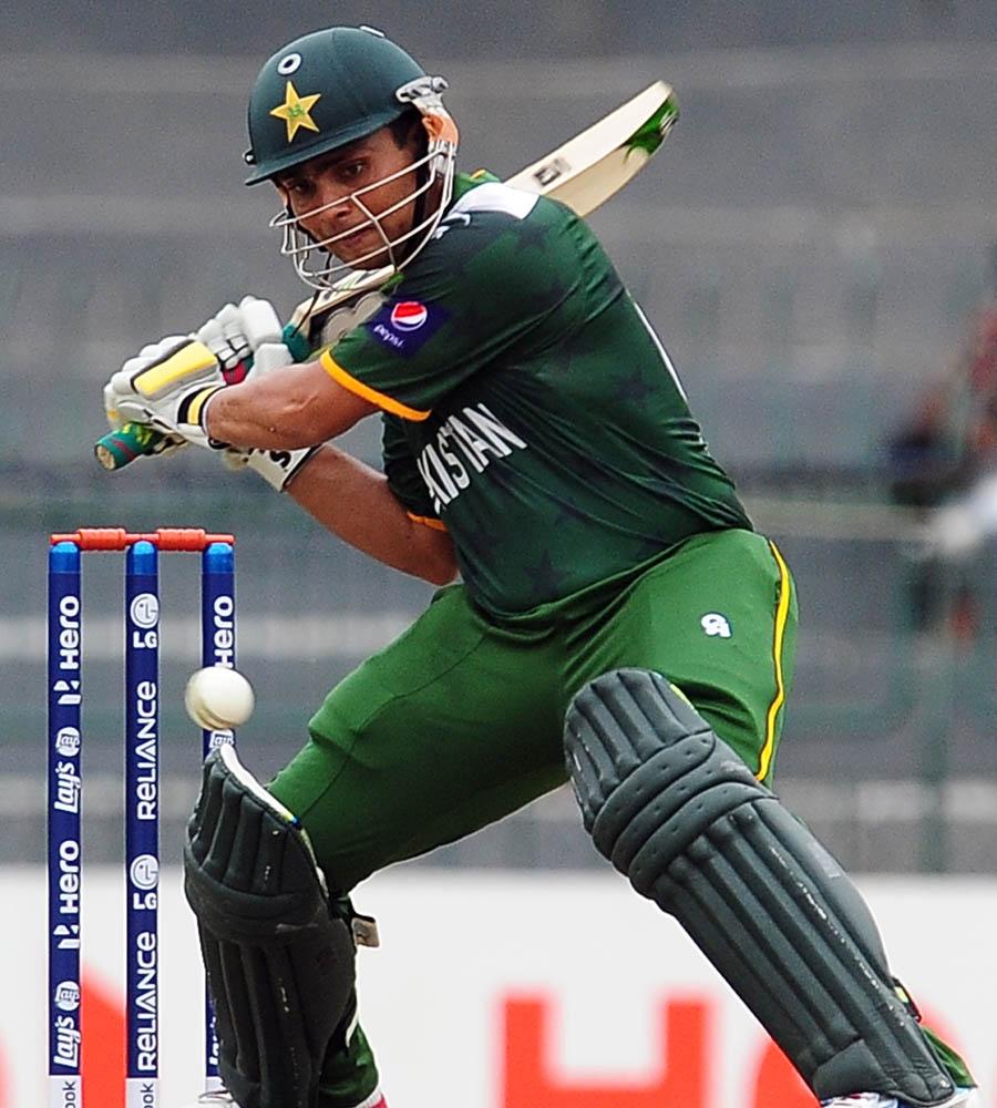 کامران اکمل نے محض 50 گیندوں پر 6 چھکوں کی مدد سے 92 رنز بنائے (تصویر: AFP)