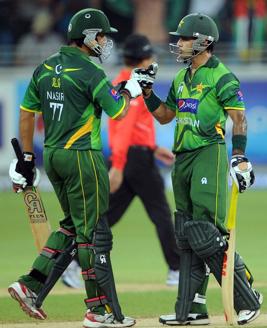 ناصر جمشید اور محمد حفیظ کے درمیان دوسری وکٹ پر 76 رنز کی زبردست شراکت قائم ہوئی (تصویر: AFP)