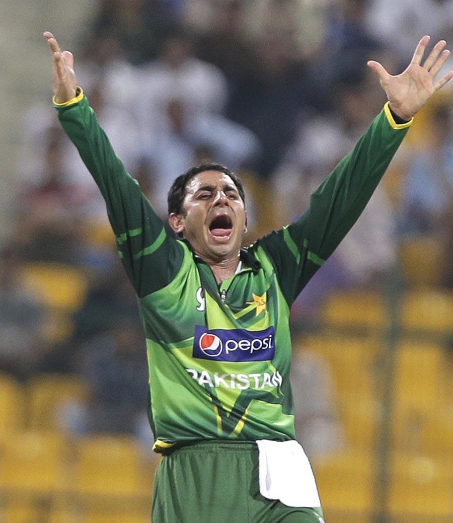 سعید اجمل اس وقت تینوں طرز کی کرکٹ میں سرفہرست تین گیند بازوں میں شامل ہیں (تصویر: AP)