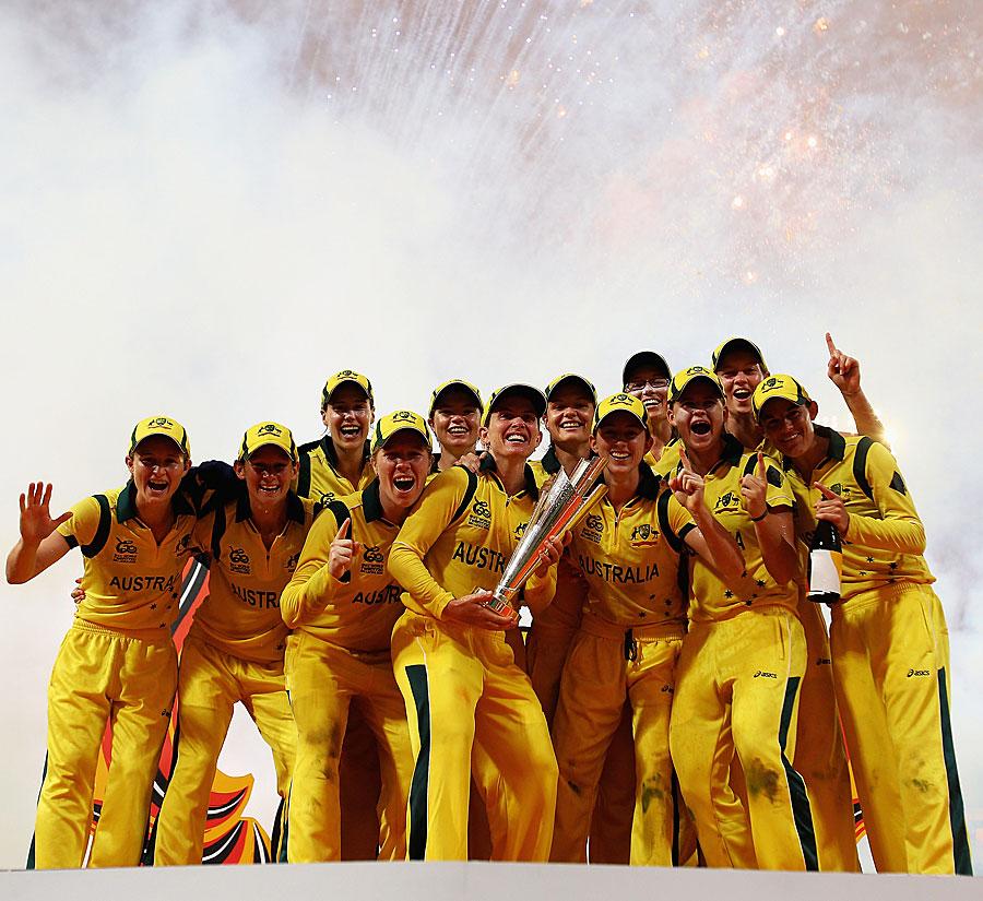 خواتین میں آسٹریلیا نے اپنے اعزاز کا کامیابی سے دفاع کیا اور پورے ٹورنامنٹ میں ناقابل شکست رہنے والے انگلستان کو زیر کیا (تصویر: ICC)