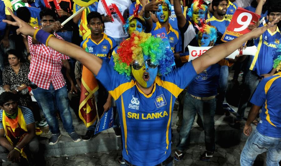 میدان میں ہزاروں سری لنکن تماشائی اپنی ٹیم کے فتح کے یقین کے ساتھ موجود تھے، لیکن ۔۔۔۔۔۔ (تصویر: Getty Images)