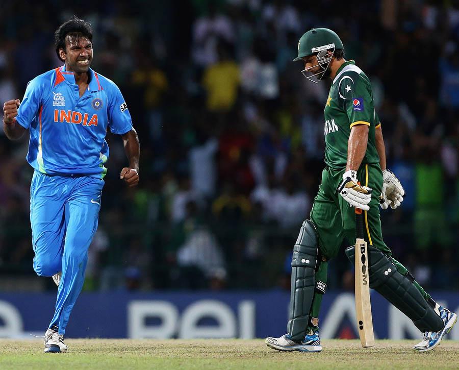 بلے بازوں کی ناقص کارکردگی کے باعث پاکستان روایتی حریف بھارت کے خلاف سپر 8 کے اہم مقابلے میں شکست کھا گیا، یعنی عالمی ٹورنامنٹس میں بھارت کے خلاف اس کی شکستوں کا سلسلہ برقرار رہا (تصویر: ICC)
