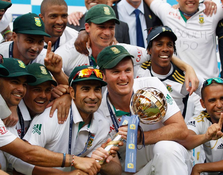 جنوبی افریقہ نے ماہِ اگست میں انگلستان کو زیر کر کے ٹیسٹ میں نمبر ایک پوزیشن حاصل کی (تصویر: Getty Images)
