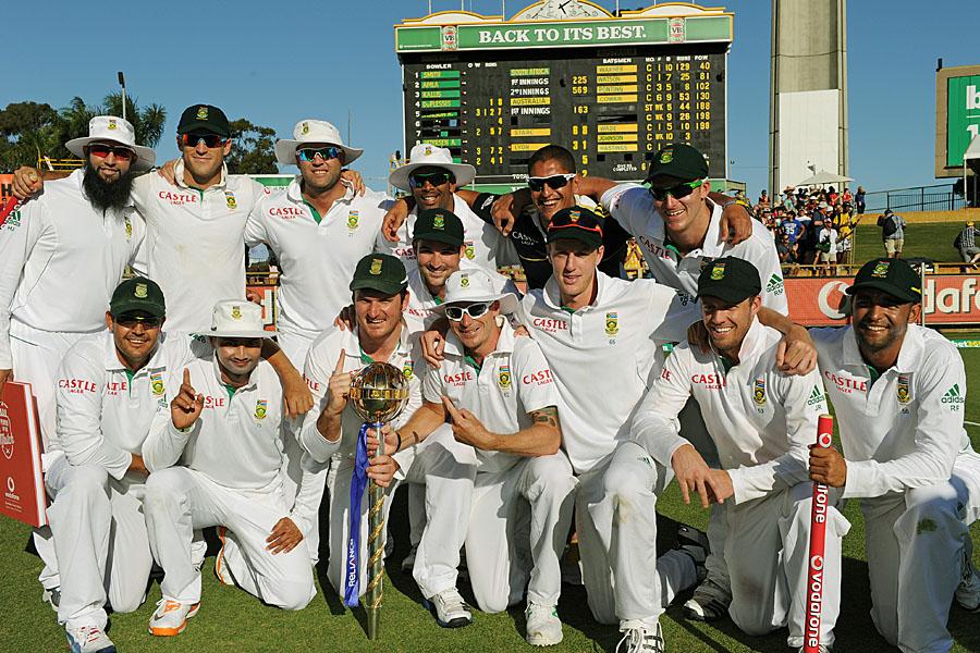 آخری ٹیسٹ میں 309 رنز کی تاریخی و فیصلہ کن فتح کے ساتھ جنوبی افریقہ کی نمبر ون پوزیشن مزید مستحکم ہو گئی ہے (تصویر: AFP)
