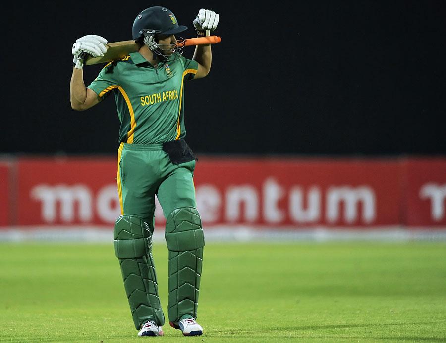 جنوبی افریقہ کی آخری 9 وکٹیں محض 85 رنز کے اضافے سے گریں (تصویر: AP)