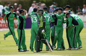 آئرلینڈ ایک روزہ کرکٹ میں پاکستان اور انگلستان کے خلاف یادگار فتوحات حاصل کر چکا ہے، اور گزشتہ روز سیریز جیتنے کے قریب تھا لیکن پاکستان کو تجربہ کام آ گیا (تصویر: AFP)