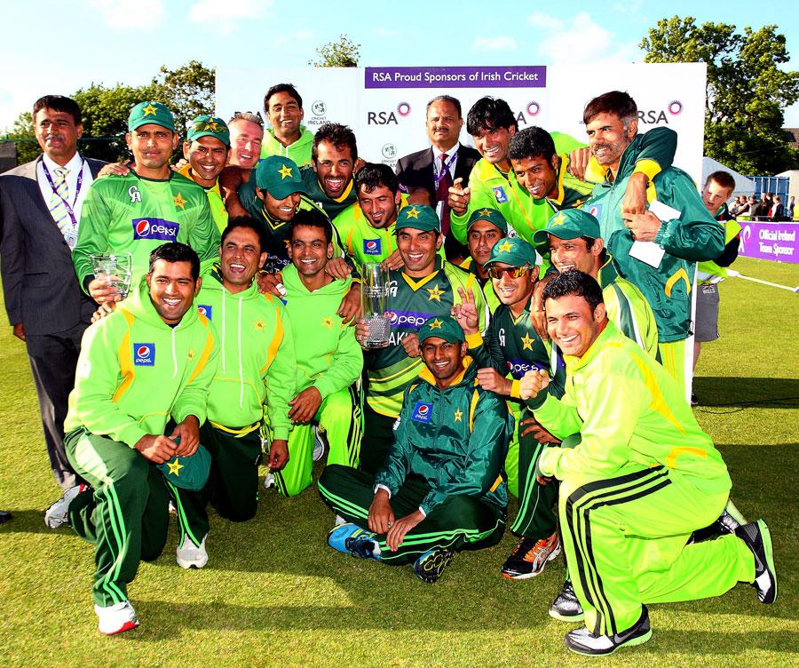 پاکستان نے سخت جدوجہد کے بعد سیریز 1-0 سے جیتی، یہ کہنا بے جا نہ ہوگا کہ دانتوں پر پسینہ آ گیا (تصویر: AFP)