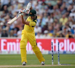 آسٹریلیا کی بیٹنگ کی کہانی کچھ اس تصویر سے عیاں ہے، کلین بولڈ!!! (تصویر: Getty Images)