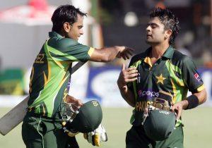 درجہ بندی کے مطابق محمد حفیظ اور احمد شہزاد 17 ویں اور 18 ویں پوزیشن کے ساتھ پاکستان کے بہترین بلے باز ہیں (تصویر: AFP)