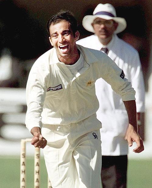 محمد زاہد نے پہلے ہی ٹیسٹ میں 11 وکٹیں لے کر میچ کے بہترین کھلاڑی کا اعزاز حاصل کیا تھا (تصویر: AFP)