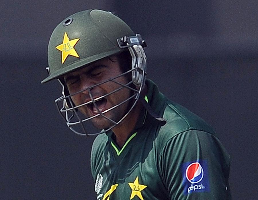 اگر احمد شہزاد نے کارکردگی کے ساتھ ساتھ ڈسپلن کو بھی بہتر نہ بنایا تو وہ اینڈریو سائمنڈز کی طرح ہمیشہ کے لیے ٹیم سے باہر ہوجائیں گے (تصویر: Getty Images)