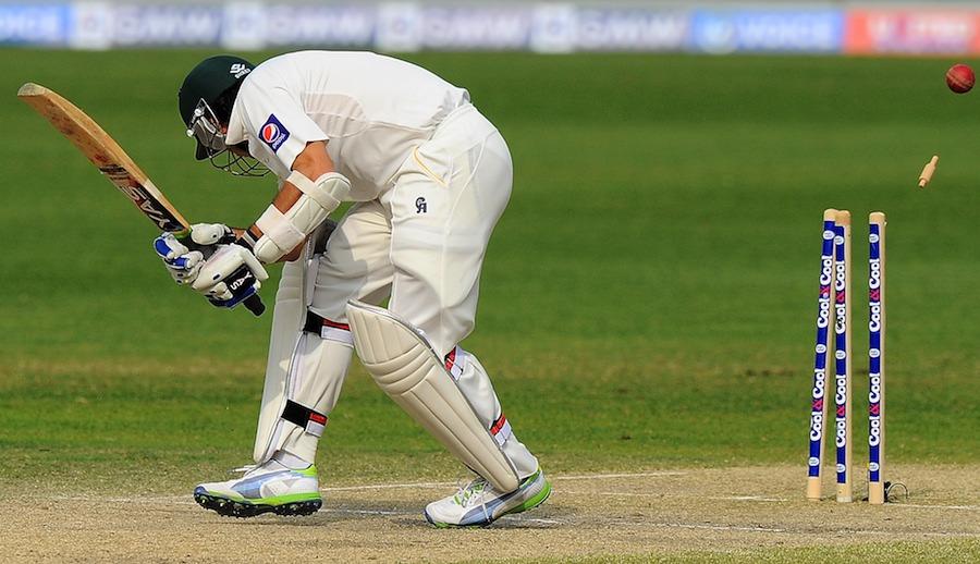 پاکستان پہلے ہی دن ایسا بے حال ہوا کہ پھر باوجود کوشش کے مقابلے میں واپس نہ آ سکا (تصویر: AFP)