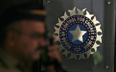 بھارت کی آسٹریلیا اور انگلستان کے ساتھ پیش کردہ سفارشات کے نتیجے میں نہ صرف ٹیسٹ بلکہ کرکٹ کا پورا وجود ہی خطرے میں نظر آتا ہے (تصویر: Reuters)