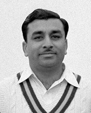 ذوالفقار احمد نے اپنی آف اسپن باؤلنگ کی بدولت مقابلے میں 11 وکٹوں کی فاتحانہ کارکردگی دکھائی (تصویر: Getty Images)