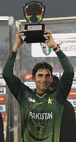 ایشیا کپ 2012ء میں مصباح الحق کی قیادت میں پاکستان نے ٹائٹل اپنے نام کیا (تصویر: فائل فوٹو)