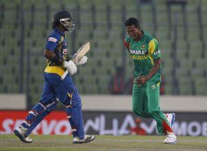 بنگلہ دیش محض 8 رنز پر سری لنکا کی تین وکٹیں گرانے کے باوجود 204 رنز کا دفاع نہ کر پایا (تصویر: AP)