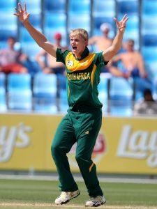 کوربن بوش نے 4 وکٹیں حاصل کرکے جنوبی افریقی فتح کی بنیاد رکھ دی (تصویر: ICC)