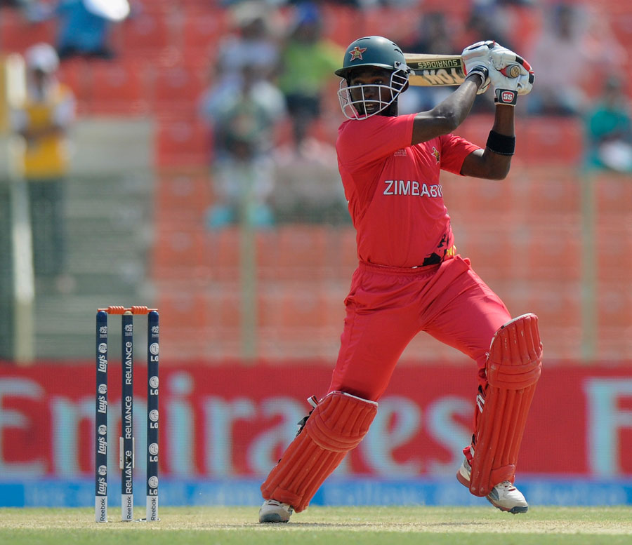 چگمبورا کی 21 گیندوں پر 53 رنز کی دھواں دار اننگز نے زمبابوے کو شکست کے دہانے سے بچا لیا (تصویر: ICC)