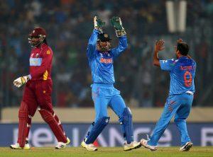 اب تک کھیلے گئے تینوں مقابلوں میں بھارت کے اسپنرز کو میچ کے بہترین کھلاڑی کا اعزاز ملا ہے (تصویر: Getty Images)