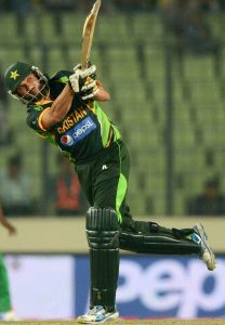 شاہد آفریدی نے تیسری بار 18 گيندوں پر نصف سنچری مکمل کی (تصویر: AFP)