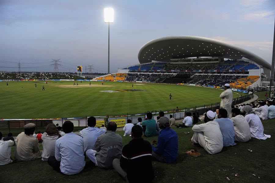 آئی پی ایل 2014ء کا پہلا مقابلہ 16 اپریل کو شیخ زاید اسٹیڈیم، ابوظہبی میں کھیلا جائے گا (تصویر: Getty Images)