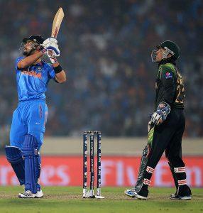 ویراٹ کوہلی اور سریش رینا کی 66 رنز کی ناقابل شکست رفاقت نے بھارت کو باآسانی مقابلہ جتوا دیا (تصویر: ICC)