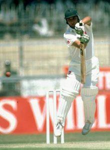 عبد القادر نے دن کی آخری پانچ گیندیں کھیل کر پاکستان کو شکست سے بچایا، ایک سنسنی خیز مقابلہ (تصویر: AFP)
