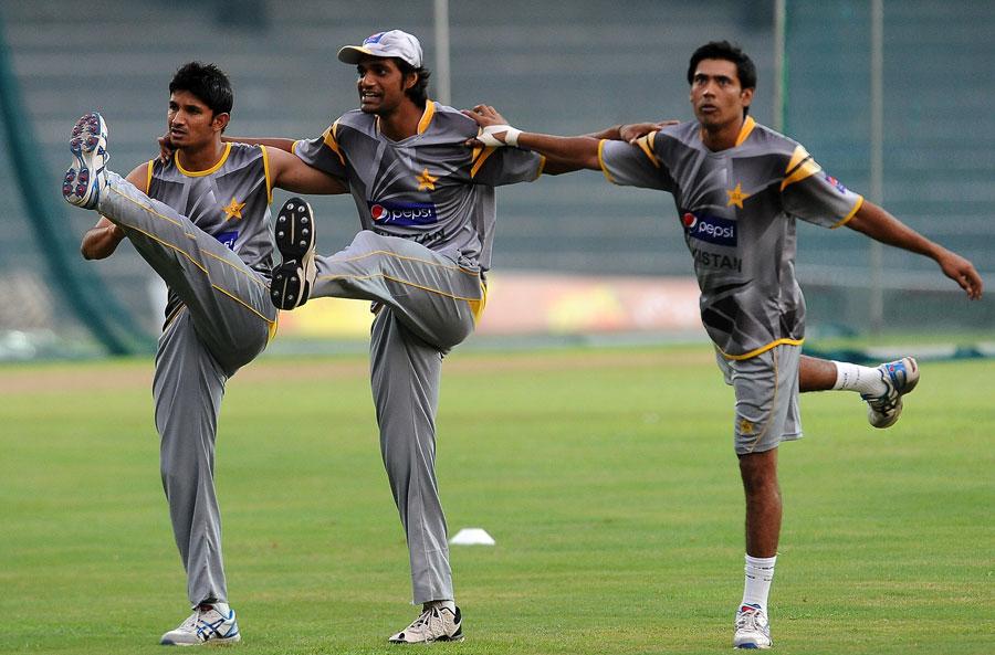 محمد اکرم پاکستان کو کوئی نیا تیز باؤلر نہ دے سکے، بلکہ پرانوں کی کارکردگی بھی رو بہ زوال ہے (تصویر: AFP)