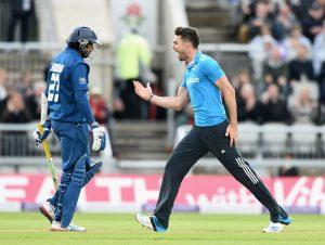 سری لنکا انگلستان کے خلاف اپنی تاریخ کے تیسرے کم ترین مجموعے پر ڈھیر ہوا، صرف 67 رنز (تصویر: Getty Images)