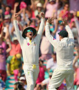آسٹریلیا دسمبر 2008ء کے بعد پہلی بار ٹیسٹ اور ایک روزہ میں نمبر ون پوزیشن پر پہنچا ہے (تصویر: Getty Images)