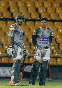 نئے کپتان کی حیثيت سے مصباح الحق کی نظریں اظہر علی اور عمر اکمل پر ہیں (تصویر: AFP)