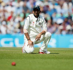 بھارت کی بیٹنگ اور باؤلنگ میں بدترین کارکردگی کی جو کسر رہ گئی تھی وہ مایوس کن فیلڈنگ نے پوری کردی (تصویر: AP)