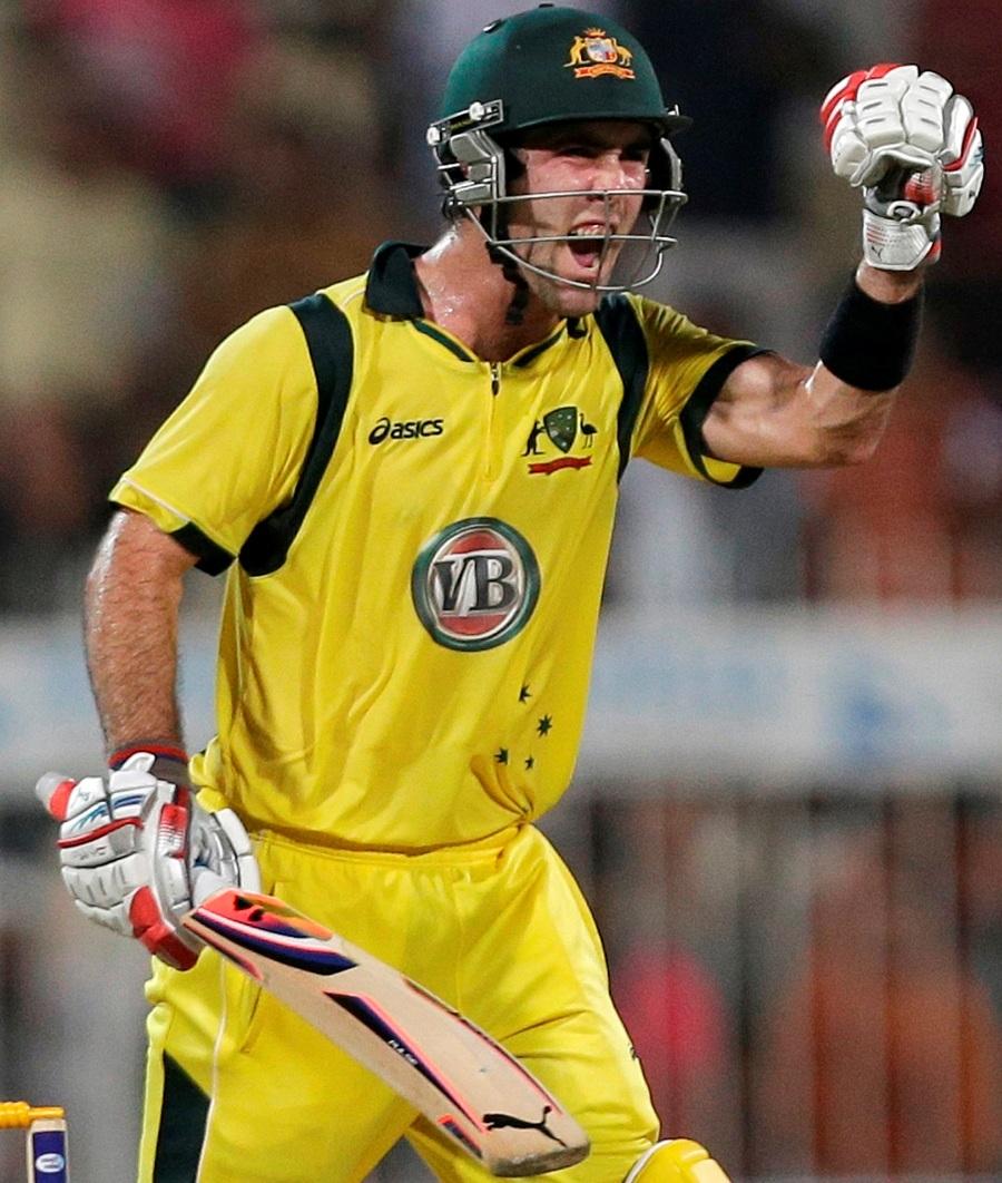 2012ء میں آسٹریلیا کے خلاف سیریز پر گرفت مضبوط ہوجانے کے باوجود پاکستان حتمی مقابلے میں گلین میکس ویل پر قابو نہ پا سکا اور ایک مرتبہ پھر شکست سے دوچار ہوا (تصویر: AP)