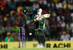 جتنی تیزی سے ورلڈ کپ قریب آرہا ہے، اس سے بھی زیادہ تیزی سے پاکستان ناکامیوں کی دلدل میں دھنستا جارہا ہے (تصویر: AFP)