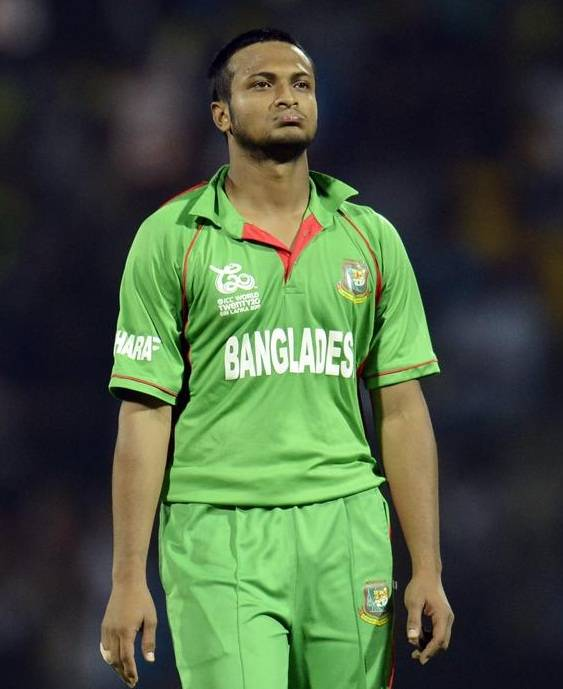 شکیب پھر جولائی میں 6 مہینوں کی پابندی عائد کی گئی تھی، لیکن بنگلہ دیش نے 15 ستمبر ہی کو سزا ختم کرنے کا اعلان کردیا (تصویر: Reuters)